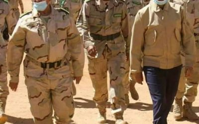 وزير الدفاع وقائد الأركان العامة للجيوش يزوران مقر إدارة المناورة العسكرية